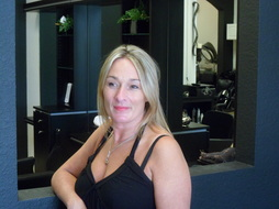 Stylists izabel george hair salon for Adele salon services